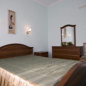 Люкс Улучшенный 2-х местный 2-х комнатный (№301,401,501)